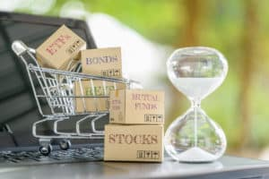 MUTUAL FUNDS, INDEX FUNDS & ETFs – WHICH ONE IS THE BEST FOR YOU?
