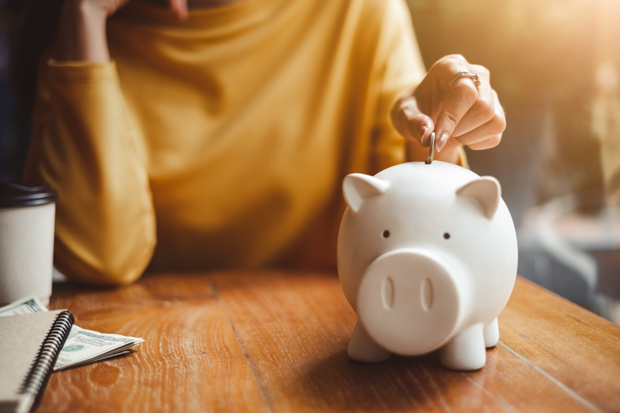 60 PRACTICAL WAYS TO SAVE MONEY ON A TIGHT BUDGET